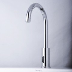 Cold Water Automatic Touchless Chrome Centerset Sensor Sink Faucet (F-0108)