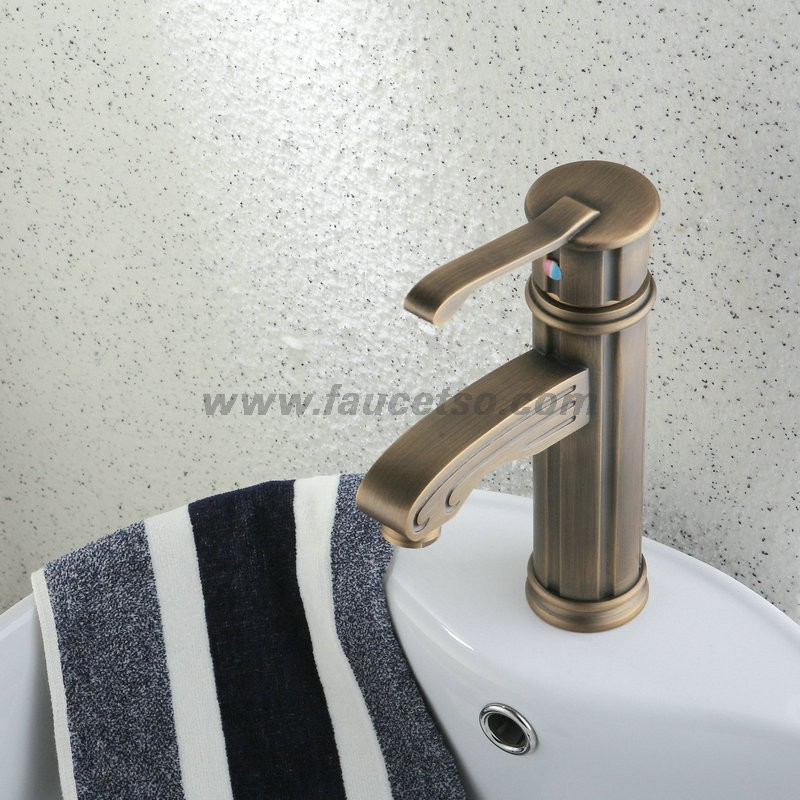 Single Handle Centerset Antique Brass Finish Wood Like Bathroom Sink Faucet F0486 Faucets