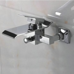 Contemporary Waterfall Brass Bathtub Faucet (Wall Mount) F-Q3002