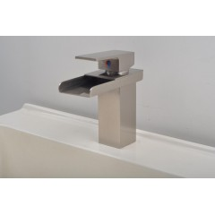 Single Handle Nickel Brushed Centerset Bathroom Sink Tap FA3004N