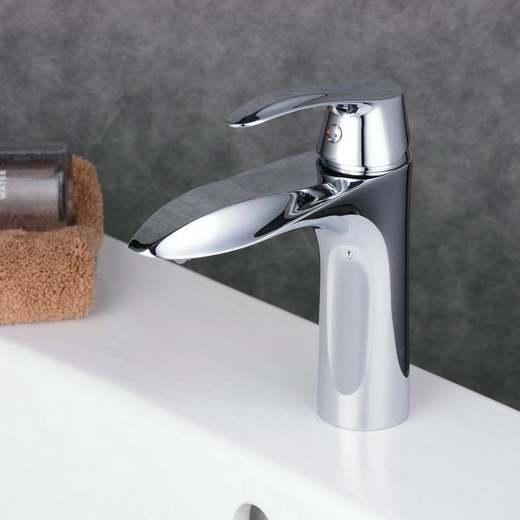 Contemporary centerset widespread with ceramic valve for Modern chrome bathroom faucets